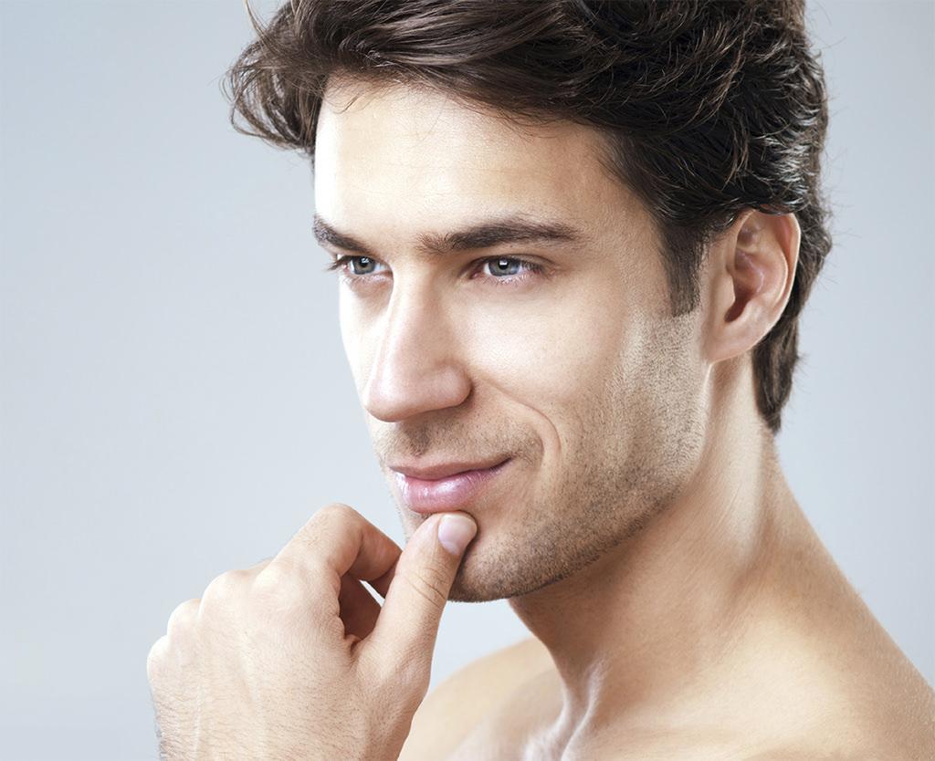 Erkeklerde Burun Estetiği: Erkek Burnu Nasıl Olmalı?